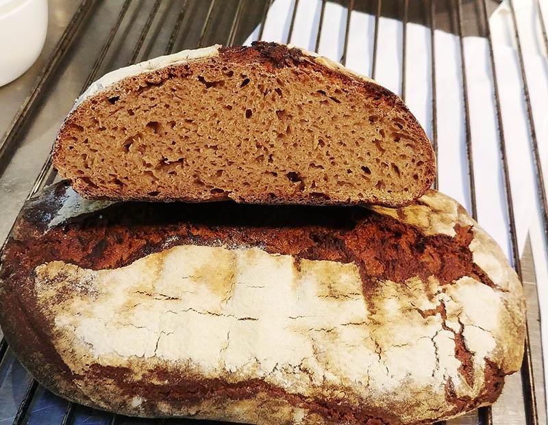 Brot Roggen frisch aus dem Ofen Jockl Kaiser