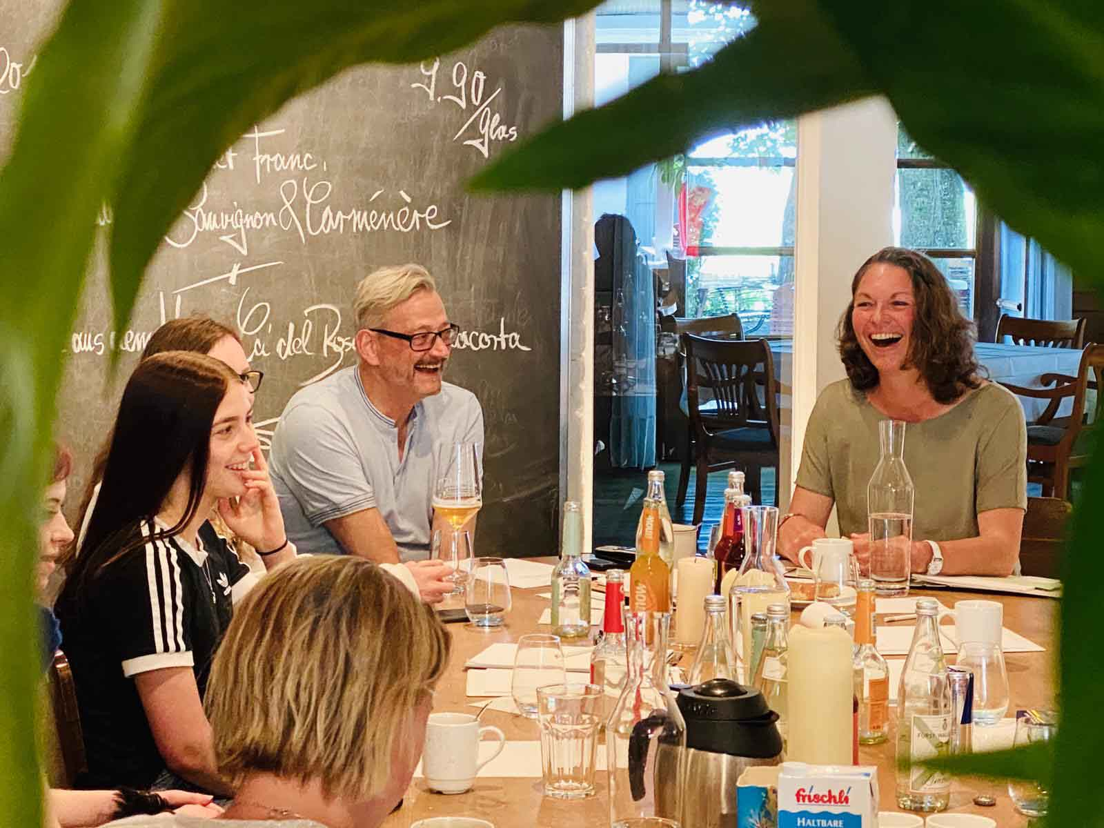 Teambesprechung auf Meyers Keller Restaurant